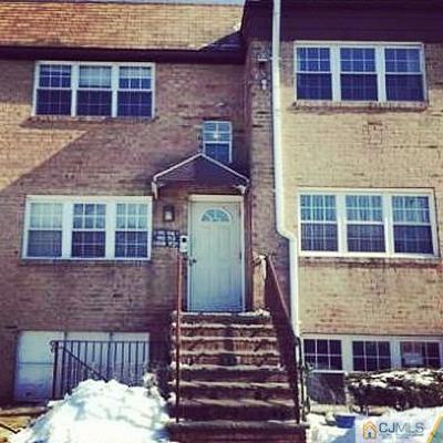 Edison Condo/Townhouse For Sale: 129 College Drive #129