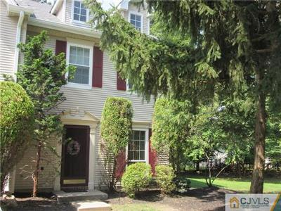 North Brunswick Condo/Townhouse For Sale: 45 Albury Way