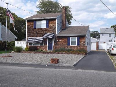Single Family Home Sold: 1847 Riviera Parkway