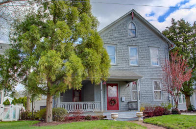 Single Family Home Sold: 68 South Street