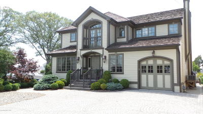 Point Pleasant Single Family Home For Sale: 1629 East Drive
