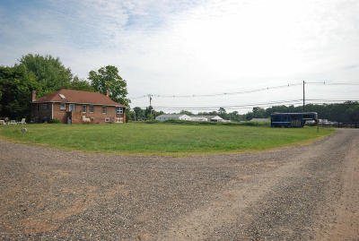 Monmouth County Farm Under Contract: 948 Lakewood Farmingdale Road