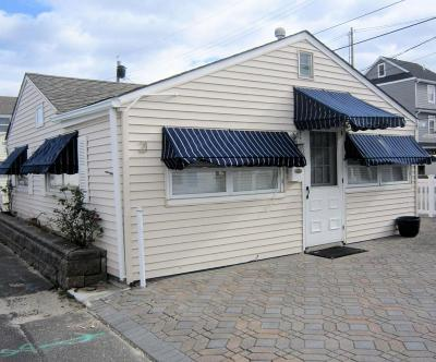 Lavallette Single Family Home For Sale: 21 E Chadwick Way