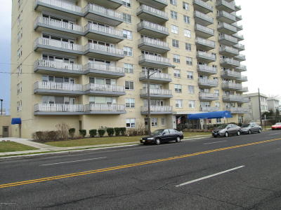 Asbury Park Condo/Townhouse Sold: 510 Deal Lake Drive #9k