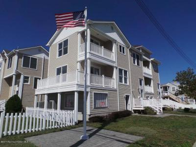 Point Pleasant Beach Condo/Townhouse Under Contract: 31 Ocean Avenue #31