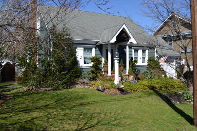 Point Pleasant Single Family Home For Sale: 207 Riveredge Court