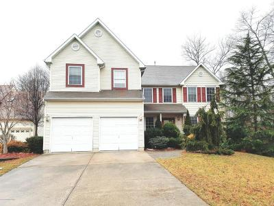 Howell Single Family Home Under Contract: 8 Clearbrook Court