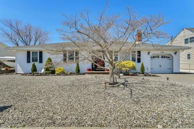 Toms River Single Family Home For Sale: 736 Bermuda Drive