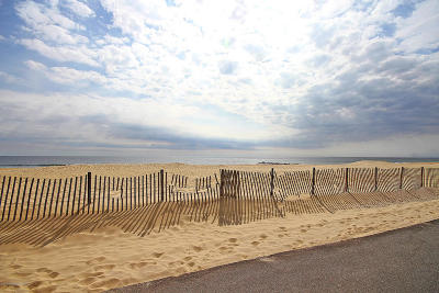 Monmouth County Condo/Townhouse For Sale: 209 Beach Front #4