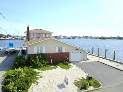 Toms River, Toms River Township Single Family Home For Sale: 3 Anchorage Drive