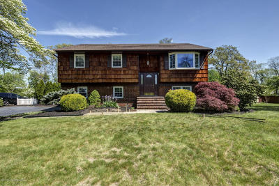 Middletown Single Family Home Under Contract: 24 Schelly Drive