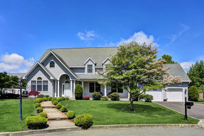 Brielle NJ Single Family Home Under Contract: $869,000