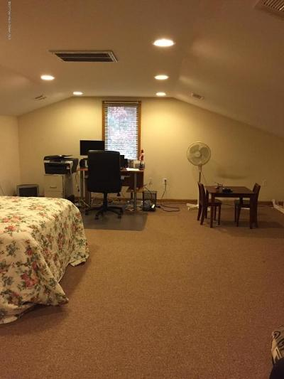 Berkeley Single Family Home For Sale: 504 Vanderbilt Avenue