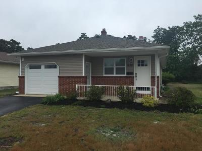 Toms River Adult Community Under Contract: 430 Jamaica Boulevard