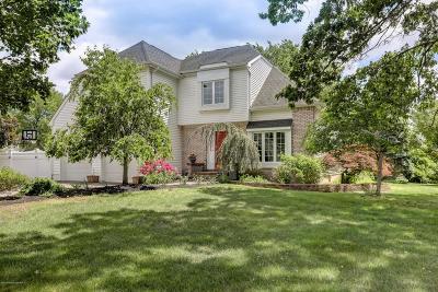 Holmdel Single Family Home For Sale: 2 Dakota Court