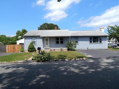Beachwood Single Family Home For Sale: 68 Elm Street