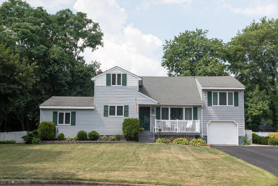 Middletown Single Family Home For Sale: 29 Kenneth Terrace