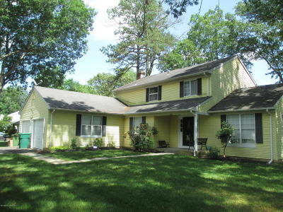Manchester Single Family Home Under Contract: 2524 Huckleberry Road