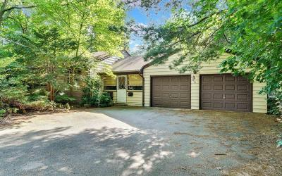 Holmdel Single Family Home For Sale: 740a Holmdel Road