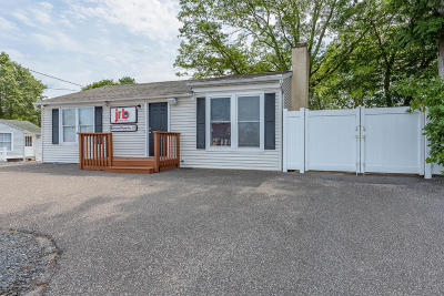 Toms River Single Family Home Under Contract: 780 Fischer Boulevard