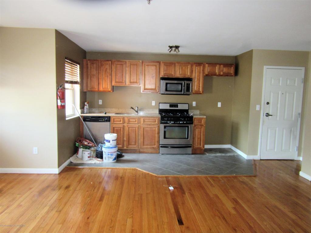 Asbury Park NJ Condo Townhouse Under Contract 255000