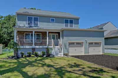 Middletown Single Family Home For Sale: 7 Briarcliff Place