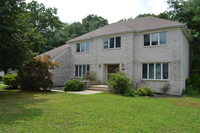 Toms River Single Family Home For Sale: 1970 Ridge Hill Drive