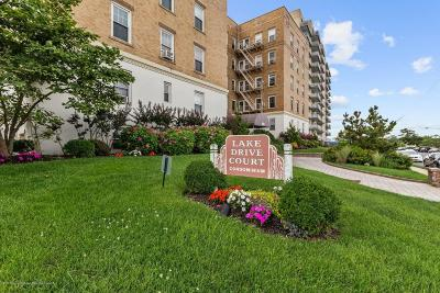 Asbury Park Condo/Townhouse Under Contract: 500 Deal Lake Drive #5d