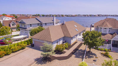 Point Pleasant Single Family Home For Sale: 1719 Bay Boulevard