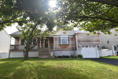 Point Pleasant Single Family Home For Sale: 1608 Northstream Parkway