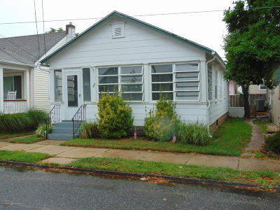 Ocean Grove Single Family Home For Sale: 100 Stockton Avenue