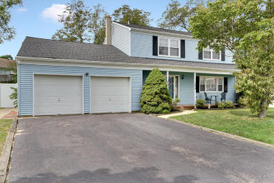 Toms River Single Family Home For Sale: 104 Seafoam Court