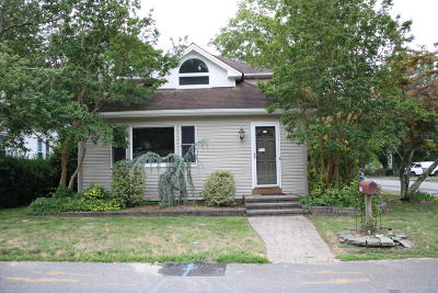 Toms River Single Family Home For Sale: 1302 Bryant Avenue
