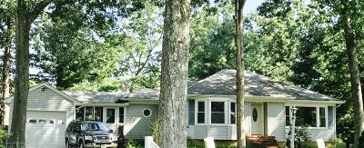 Howell Single Family Home For Sale: 127 Locust Avenue
