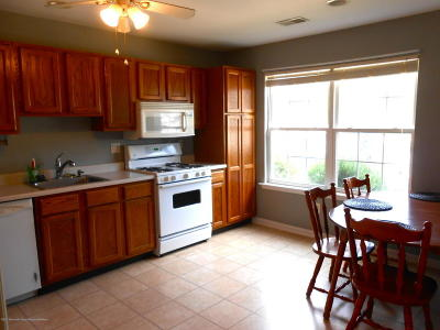 Toms River Condo/Townhouse For Sale: 702 Leadership Court
