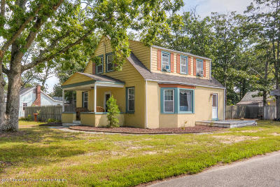 Toms River Single Family Home For Sale: 17 Lillie Road