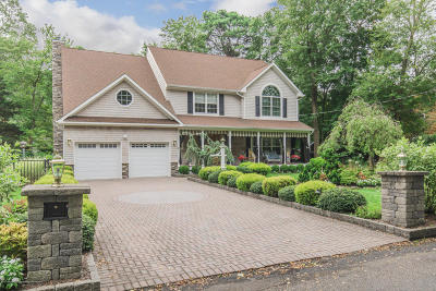 Monmouth County Single Family Home For Sale: 1601 Jordan Way