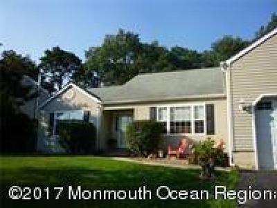 Stafford NJ Single Family Home For Sale: $255,000