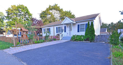 Toms River Single Family Home For Sale: 13 4th Bayway