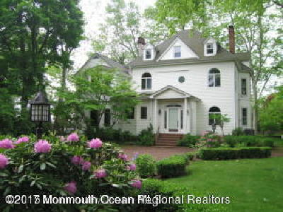 Middletown Single Family Home For Sale: 435 Navesink River Road