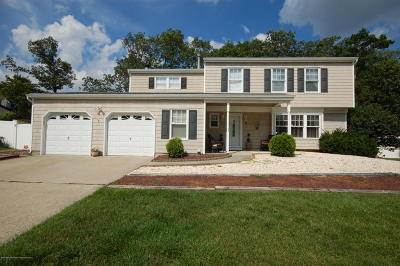 Howell Single Family Home For Sale: 12 Remsen Drive