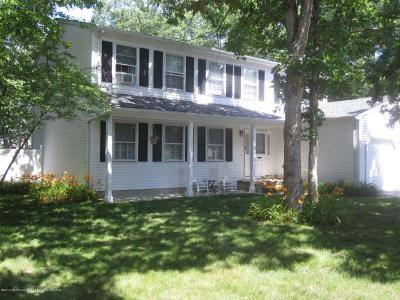 Toms River Single Family Home For Sale: 127 Ticonderoga Drive