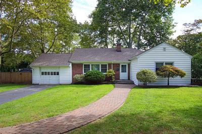 Red Bank Single Family Home For Sale: 56 Apple Farm Road