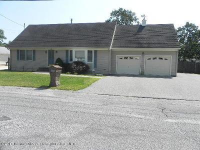 Beachwood Single Family Home For Sale: 1011 Anchor Avenue