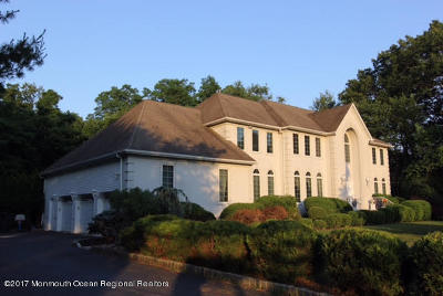 Marlboro Single Family Home For Sale: 10 Spruce Lane