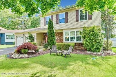 Howell Single Family Home For Sale: 11 Musket Court