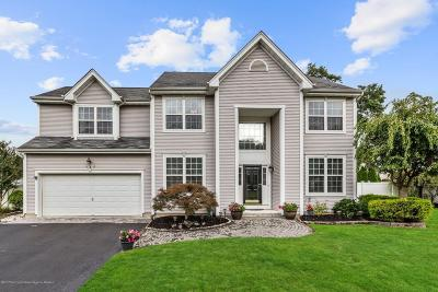 Toms River Single Family Home For Sale: 127 Nobility Court