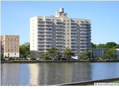 Asbury Park Condo/Townhouse For Sale: 510 Deal Lake Drive #5j