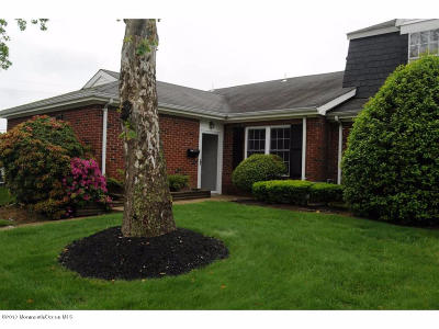 Spring Lake Condo/Townhouse For Sale: 1 Dogwood Court