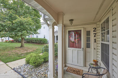 Freehold Condo/Townhouse For Sale: 271 Tulip Lane